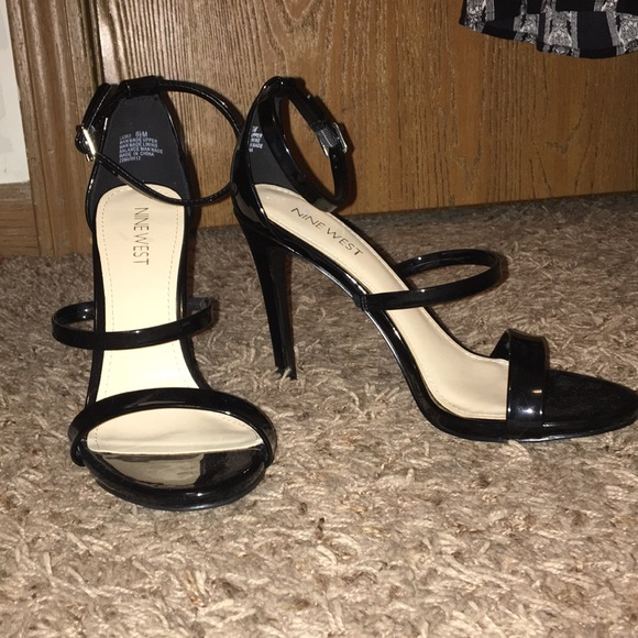 81d7de509e8 NWT Nine West Black 3 strap heeled sandals leather NWT